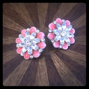 Jewelry - Floral earrings with crystals and pink stones